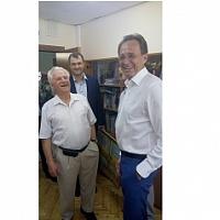 Поздравил председателя Совета ветеранов ЗелАО Виталия Шиндина (слева) префектом ЗелАО А. Смирновым