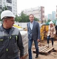 Префект А.Смирнов на строительной площадке ФОК